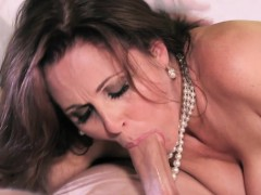 Mature busty cougar star Julia Ann facialized